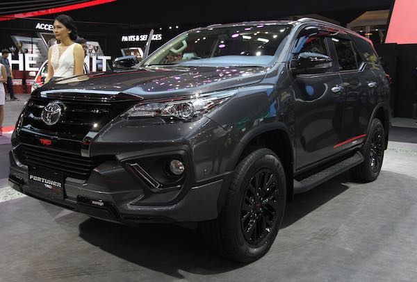Toyota Luncurkan New Fortuner TRD Sportivo