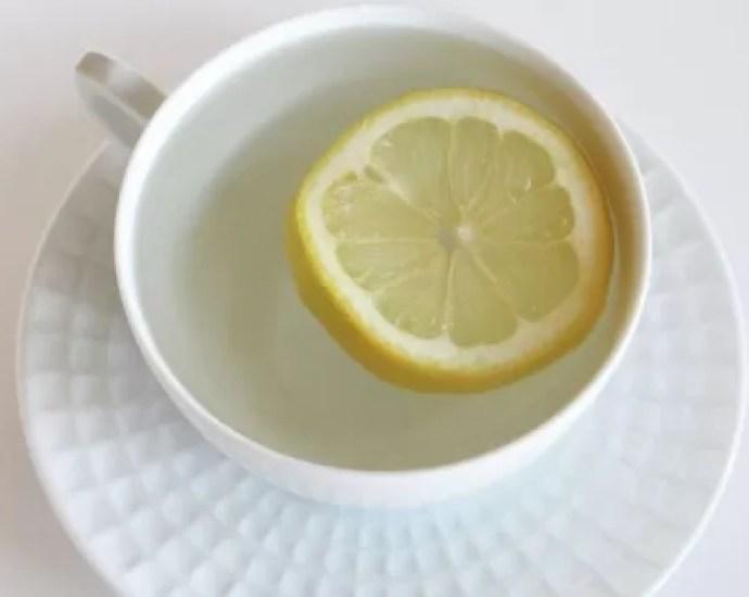 Minum Air Lemon Setiap Pagi dan Rasakan Khasiatnya!