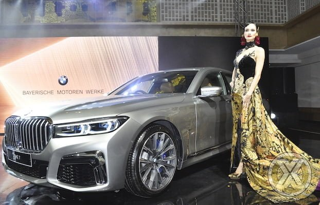 Video BMW 730Li Rakitan Lokal