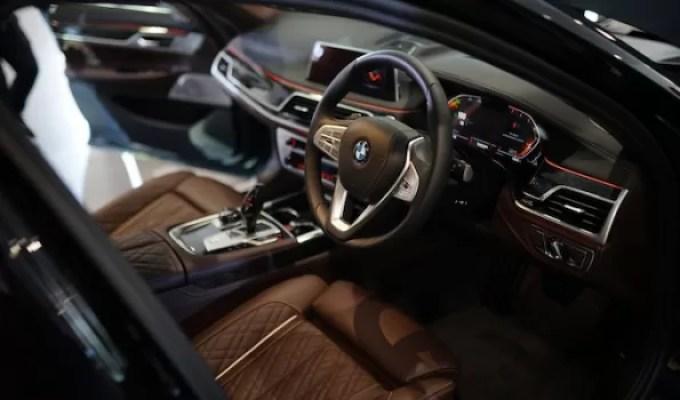 BMW THE NEW 7 Kelapangan Kabin Di Balut Kemewahan