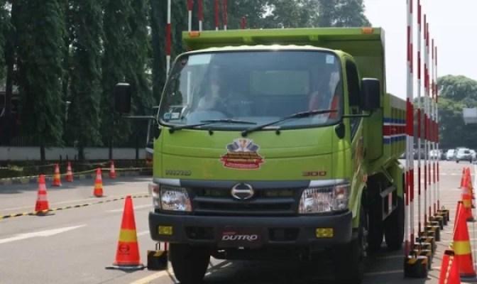 Hino Konsisten Gelar Safety Driving Competition