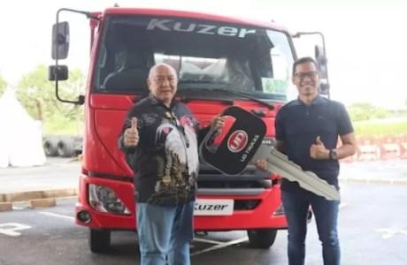 Astra UD Trucks Serahkan Kuzer RKE 150 WB 3350 HD ke PT. Jasa Berdikari Logistics