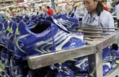 Produsen Sepatu Adidas Berikan Klarifikasi Terkait PHK Ribuan Karyawannya