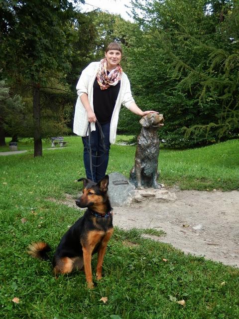 pomnik szczęśliwego psa warszawa otojanka