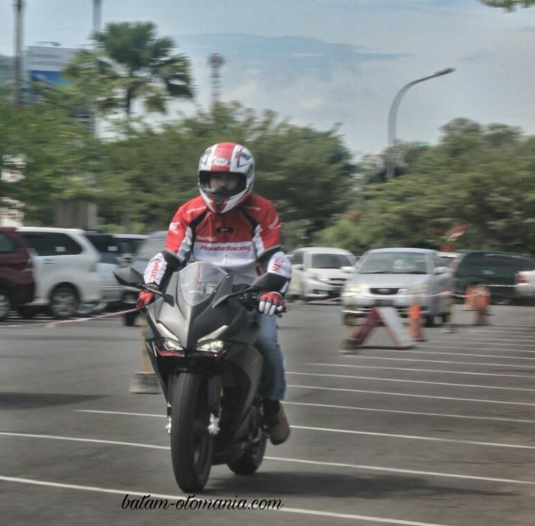 Bang admin ,,, akhirnya bisa riding test nih CBR250RR