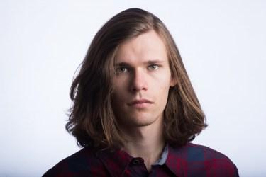 男の髪型でわかる!ロン毛の男性の心理と性格の特徴・付き合い方