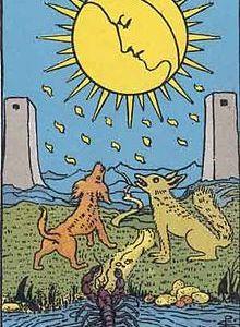 タロットカード「18:月 」の意味と解釈【恋愛・復縁・片思い占い方法】