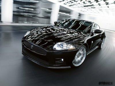 Jaguar-XKR-S_