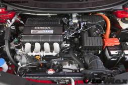 Honda-CR-Z_2011motoru