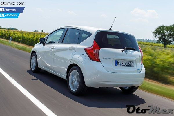 Nissan-Note_2014_arka