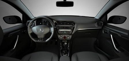 Peugeot 301 İç Mekan