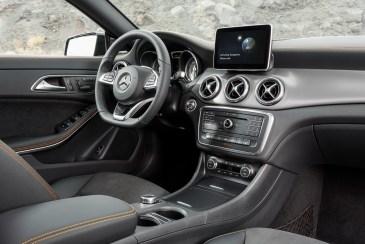 Mercedes-Benz CLA-Serisi Shooting Brake İç