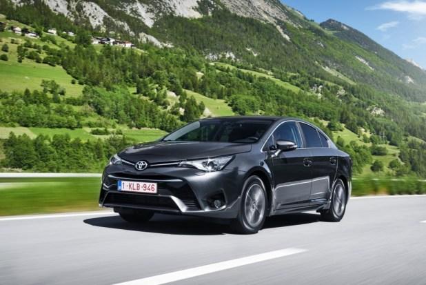 2015-ToyotaAvensis-15