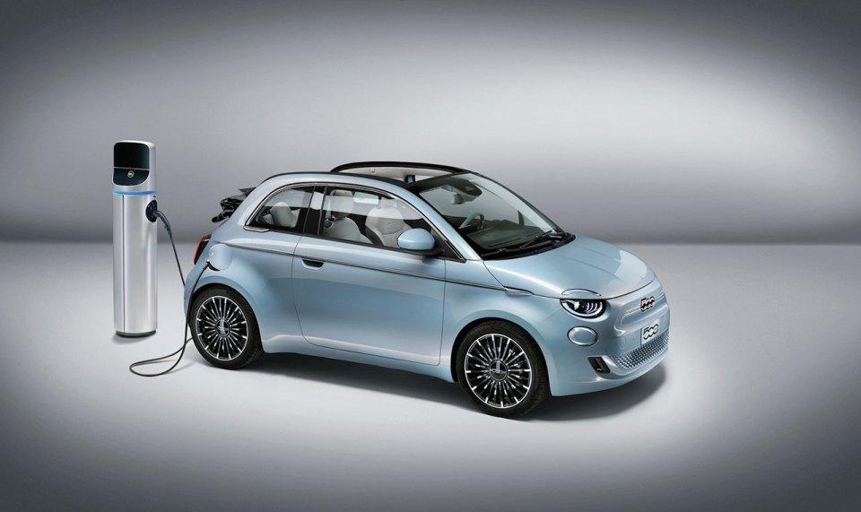 Elektrikli Fiat 500 Yenilenen Görünümüyle Tanıtıldı | Otomobilkolik