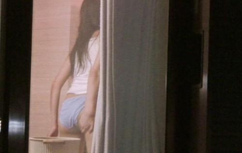 【民家盗撮エロ画像】プライバシーを侵害する民家盗撮画像