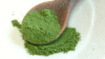 日本茶の茶葉を粉末