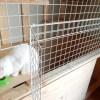 メッシュパネルに小さな扉を作る(猫の餌やり用)