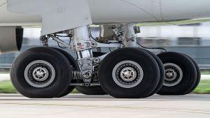 Uçak Lastiği