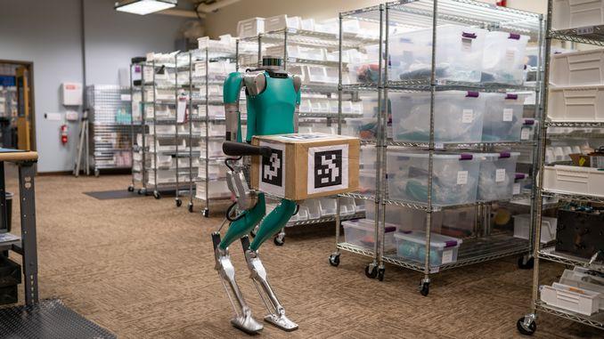 insan gibi hareket eden ilk teslimat robotu digit ford icin goreve hazir