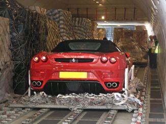 Ferrari Sahiplerini Dolandırdılar
