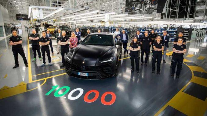 Lamborghini 'ci Urus Modelini Üretmeyi Başardı