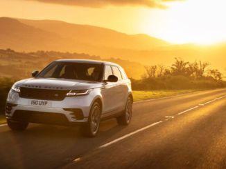 Range Rover Velar müügisalongides, mille eriline huvi on aasta lõpus