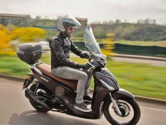 kymco scooter modelleri showroomlarda yerini aldi