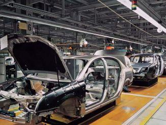 """automobilių milžinė """"Toyota"""" šiandien daro pertrauką nuo gamybos Turkijoje"""