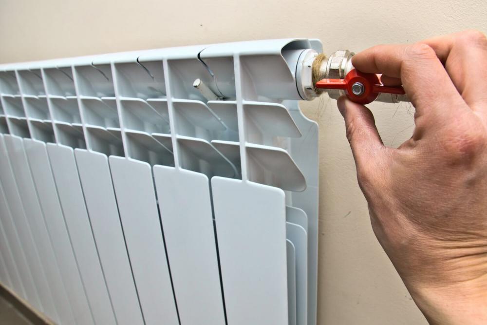 выпустить воздух из батареи отопления