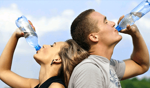 hidratacao-beber-agua-inverno-clima-seco-otorrinos-curitiba