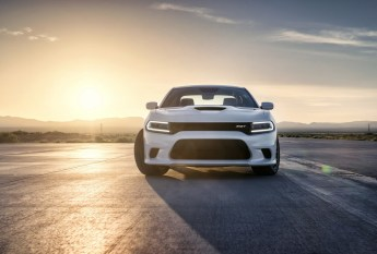 2015-Dodge-Charger-Hellcat-SRT-36