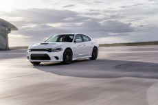 2015-Dodge-Charger-Hellcat-SRT-76
