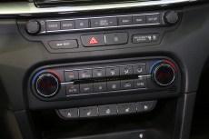 2018-kia-ceed-hatch-unveiled-30