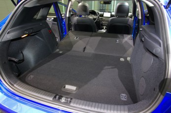 2018-kia-ceed-hatch-unveiled-54