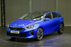 2018-kia-ceed-hatch-unveiled-8