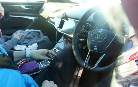 audi-a6-avant-spied-inside-out-1