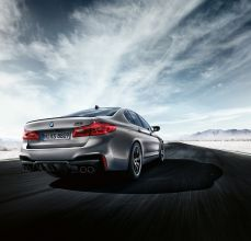 2019-BMW-M5-Competition-30