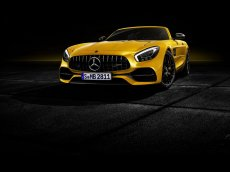 2019-mercedes-amg-gt-s-roadster-5