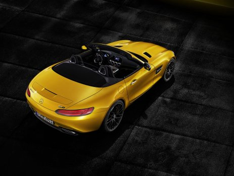 2019-mercedes-amg-gt-s-roadster-7