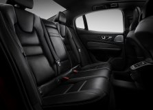 19d769cd-2019-volvo-s60-unveiled-125
