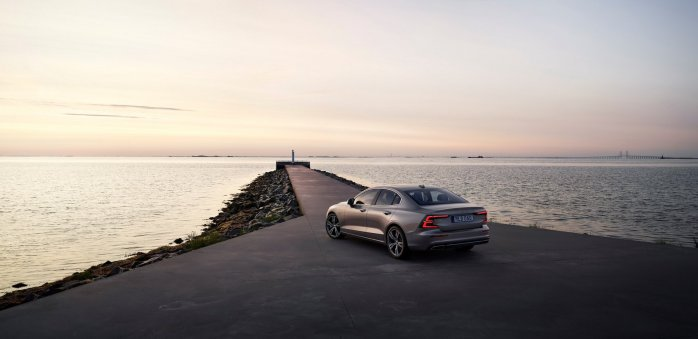 f20ba0fd-2019-volvo-s60-unveiled-67