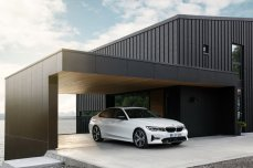 f4abaa61-2019-bmw-3-series-unveiled-paris-53