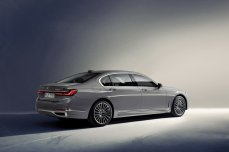 6e7cea4e-2019-bmw-7-series-05