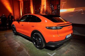802bf09d-2020-porsche-cayenne-coupe-10