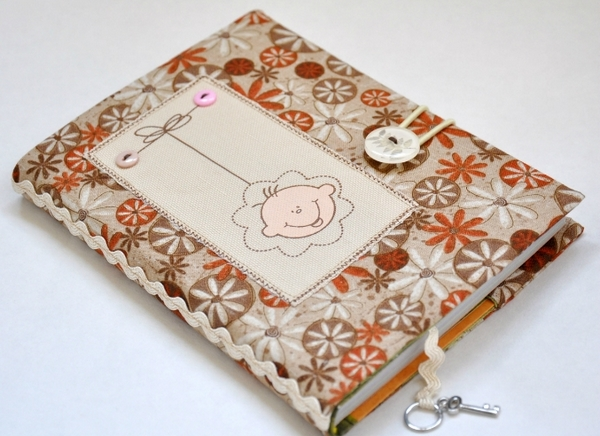 Mini-bok, där på varje sida skrivs om kärlek till mamma. Bilder från www.liveinternet.ru