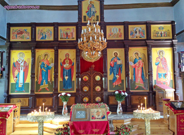 Алтарь храма Георгия Победоносца, Сочи