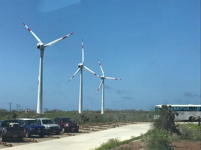 O Aeroporto de Galápagos faz uso de energia eólica