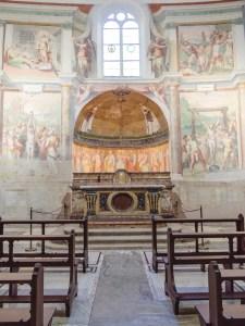 A side-chapel in Santo Stefano.
