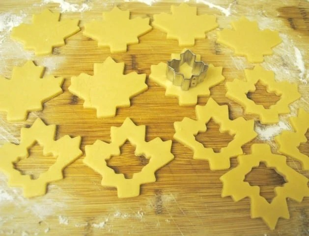 maple leaf cookie