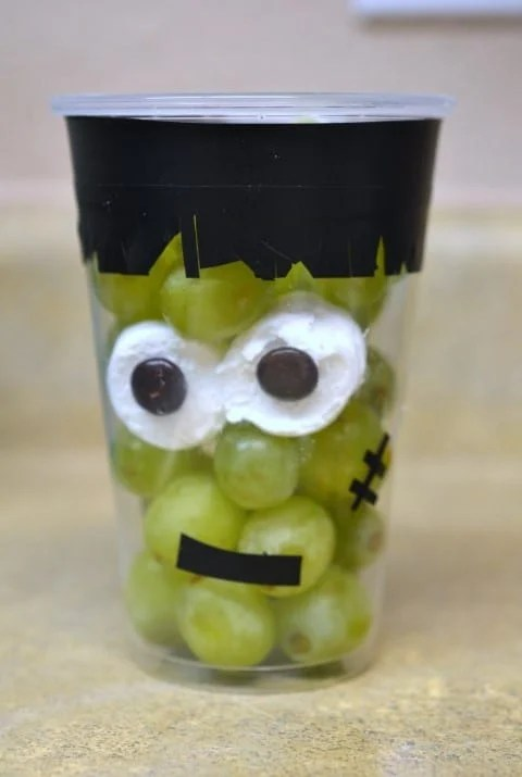Grapenstein‏: Halloween Craft & Healthy Snack